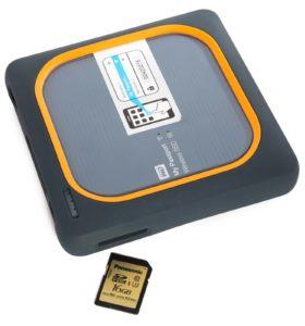 SD-Karten-Fach an der Festplatte