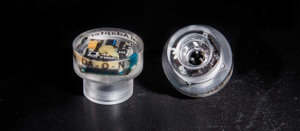 Die beiden Remote-Trigger RSU-N und DA-O-N für den Nikonos-Anschluss