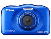 Die Nikon W100 ist die günstigste und einfachste Unterwasserkamera für Schnorchler, Pool oder Taucher