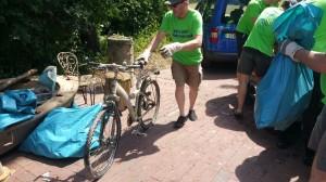 Fahrräder im See